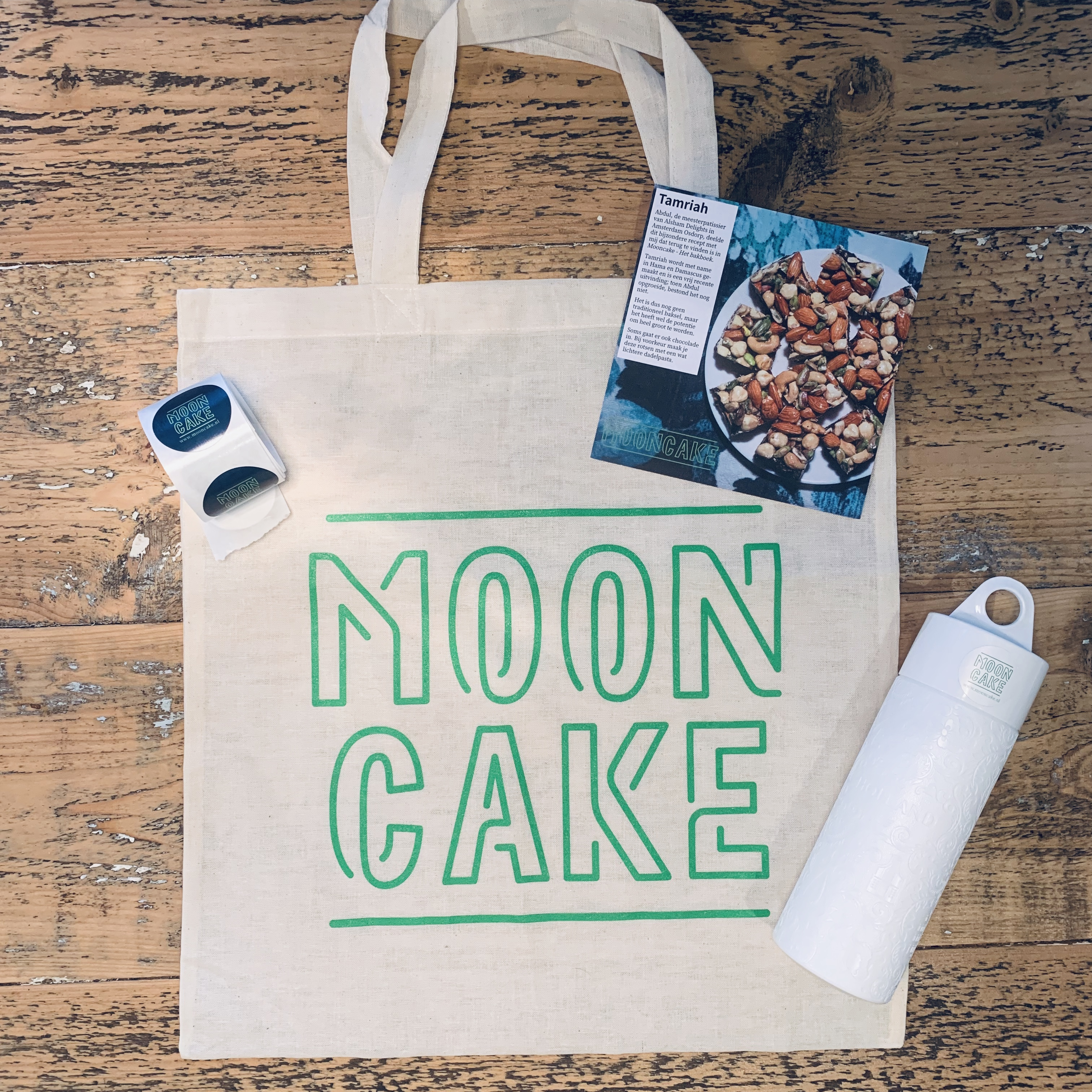 Een aantal merchandise-items die ik heb gemaakt voor Mooncake